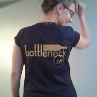 Bottleneck t-shirt