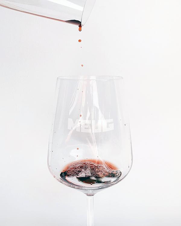 Meug-sfeerbeeld-glas-wijn